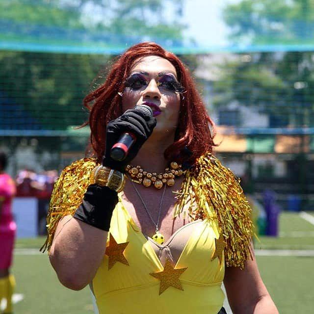 A drag queen Bárvara Pah arrasando na animação do evento (Foto: Reprodução Facebook)