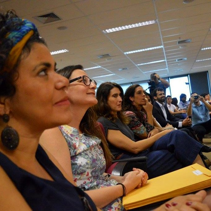 """1ª turma do """"Cozinha & Voz"""" capacitou 25 pessoas trans, com aulas de culinária ministradas por Paola Carosella (Foto: Reprodução Facebook)"""
