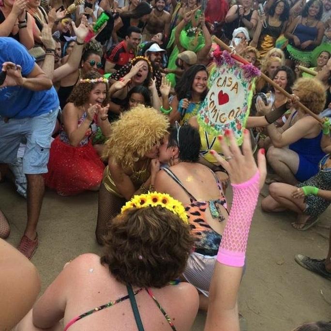 """Diana pede Mariana em casamento ao som de """"Beijo Doce"""", do Pixote (Foto: Arquivo Pessoal)"""