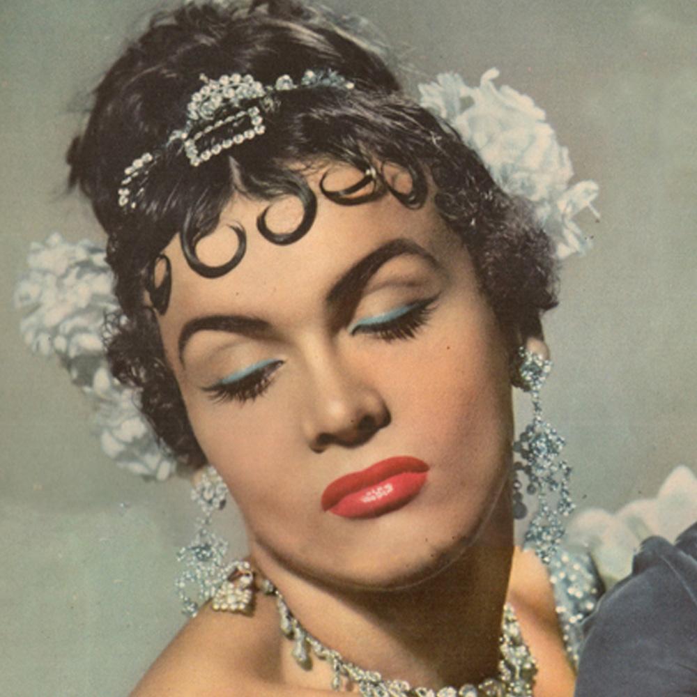 """""""Se veste de mulher, parece mulher, mas é homem"""", diziam as manchetes dos anos 1950 sobre Ivaná (Foto: Reprodução)"""