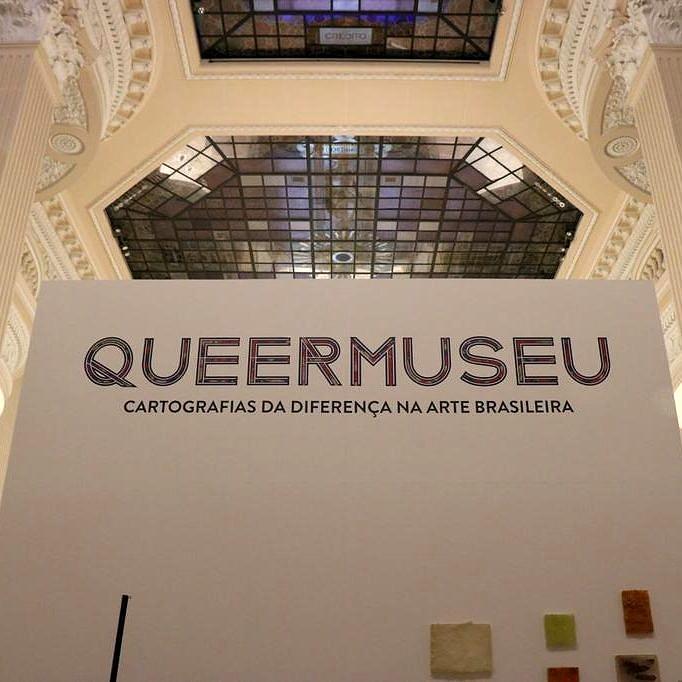 """Entrada da """"Queermuseu"""" no Santander Cultural de Porto Alegre: exposição foi cancelada um mês antes do previsto (Foto: Reprodução)"""