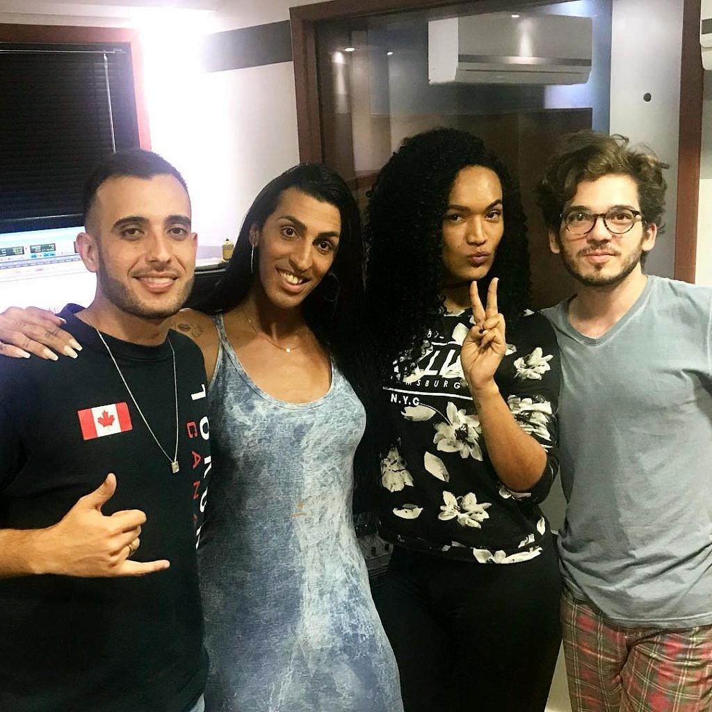 A produção do CD Senzala conta com a participação da Mulher Pepita, Danny Bond, Ingoma, Caetano Brasil e RT Mallone