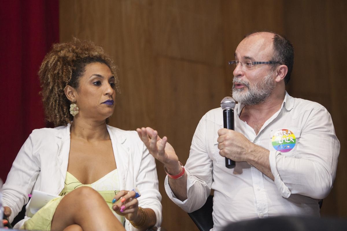 Marielle Franco com Fernando Salis, superintendente de comunicação do Fórum de Ciência e Cultura da UFRJ (Foto: Ricardo Schmidt | Divulgação)