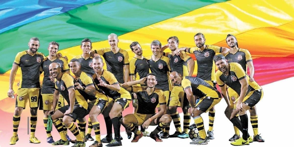 Medalha de prata na LiGay, a equipe do BeesCats pretende representar o Brasil nos campos dos Gay Games 2018 (Foto: Divulgação)