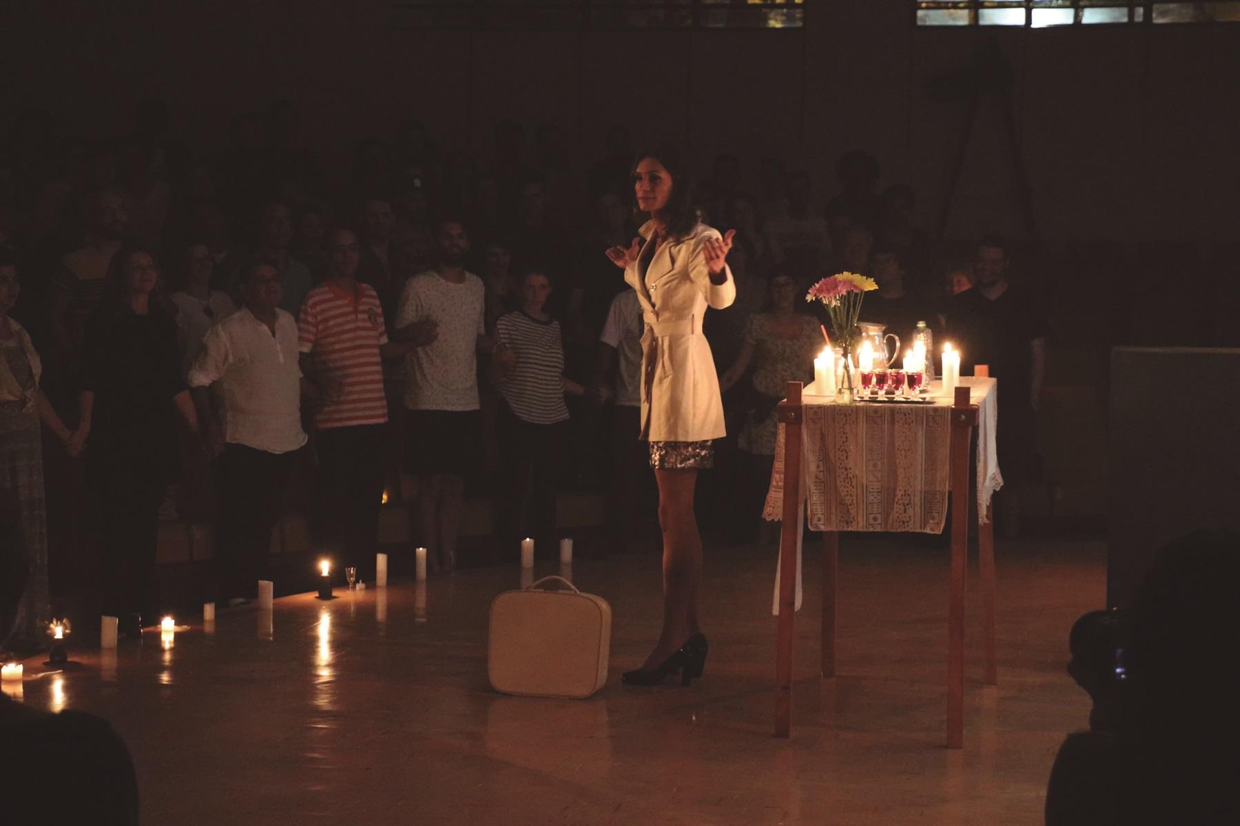 """Renata Carvalho durante aparesentação de """"O Evangelho Segundo Jesus, Rainha do Céu"""" (Foto: Divulgação)"""