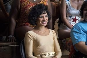 """Yolanda é a """"Junkchain mestiça"""" do entretenimento de """"GLOW"""" (Foto: Divulgação)"""