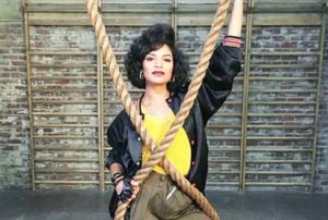 Shakira Barrera, atriz de ascendência nicaraguana, como Yolanda Rivas (Foto: Divulgação)