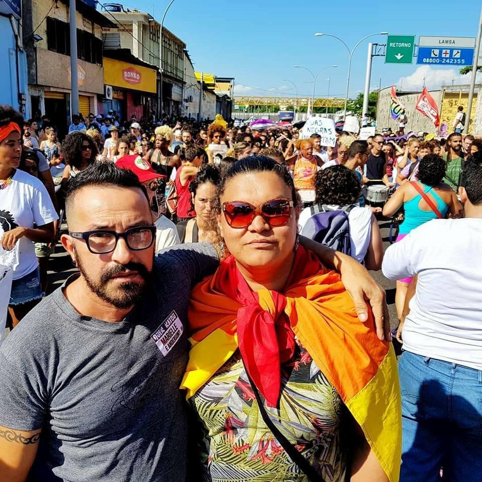 Gilmara Cunha na Marcha pela Marielle na Maré - Reprodução Facebook