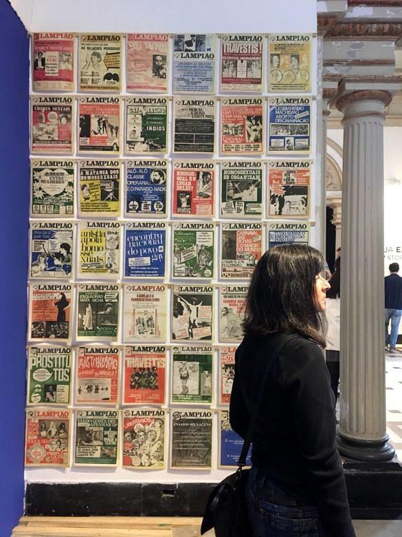 Colagem de capas do jornal