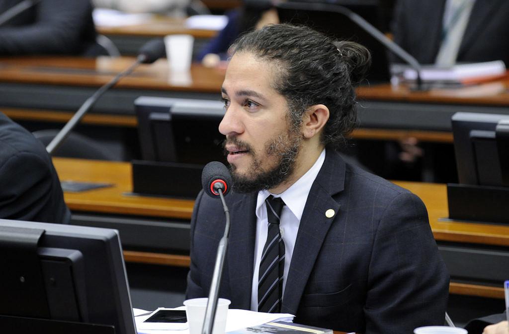 Primeiro homem gay a integrar o Congresso Nacional, Jean Wyllys (PSOL) foi eleito para o seu 3º mandato em 2018 (Foto: Divulgação | Câmara dos Deputados)