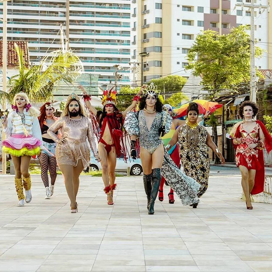 O Bloco das Travestidas é atração da sexta de carnaval em Fortaleza (Foto: Thais Mesquita | Divulgação)