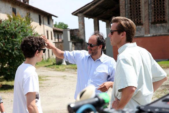 """Luca Guadagnino durante as gravações de """"Me Chame Pelo Seu Nome"""""""
