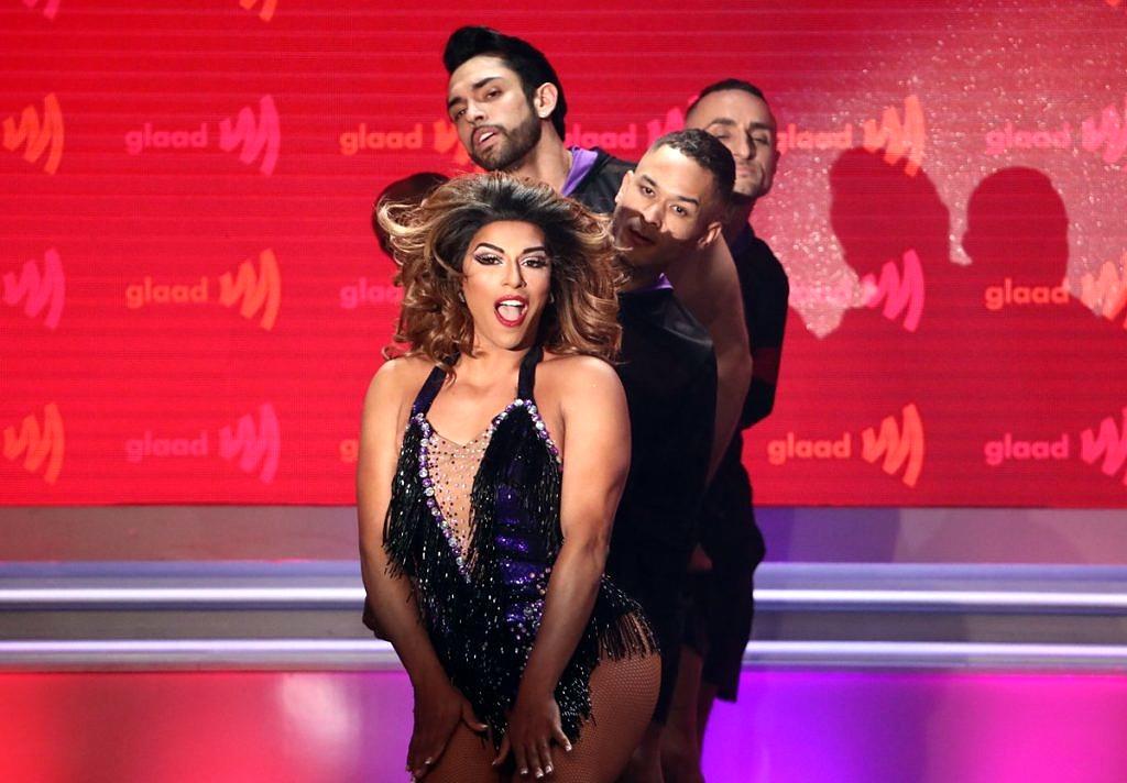 No GLAAD Awards, Shangela apresentou um medley de hits da Beyoncé e foi aplaudida de pé pela cantora (Foto: Reprodução Twitter | @GLAAD)