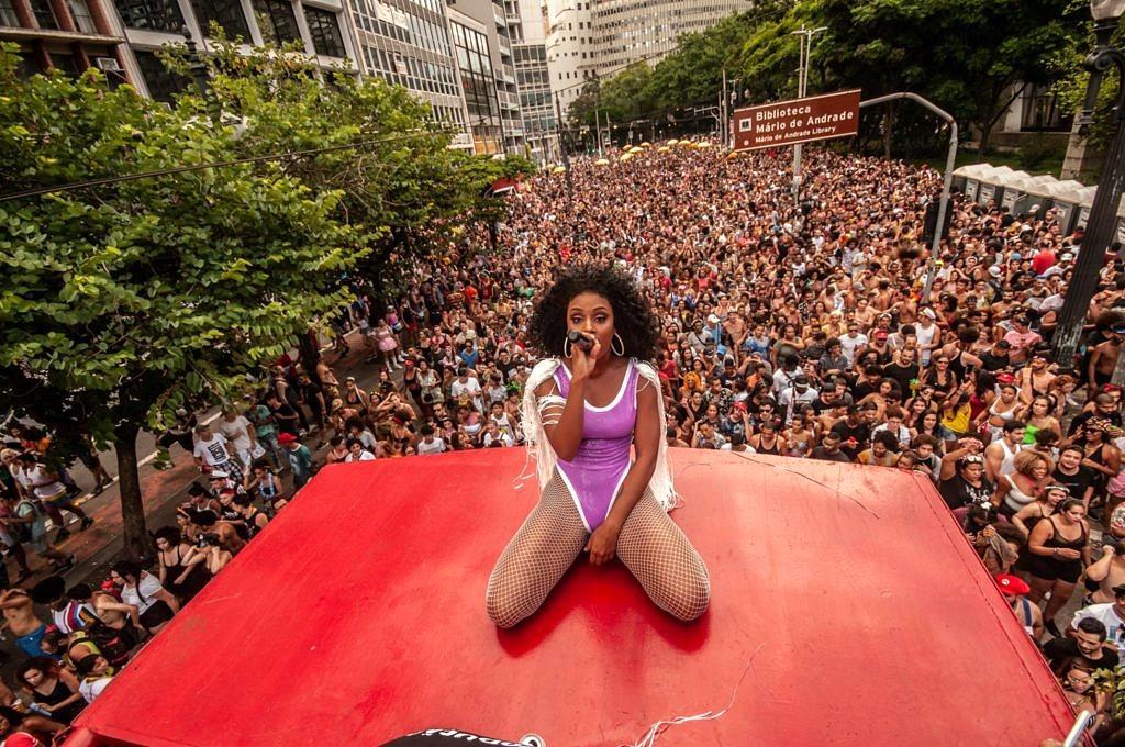 Bloco da Batekoo no Carnaval de São Paulo arrasta milhares de pessoas pelas ruas do centro (Foto: Lucas Hirai | Batekoo)
