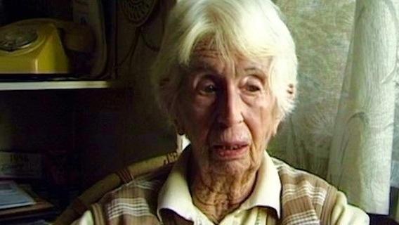"""Judia e lésbica, Anitta Eick conseguiu sobrveiver à perseguição nazista durante a década de 1920 (Foto: reprodução do documentário """"Parágrafo 175"""")"""