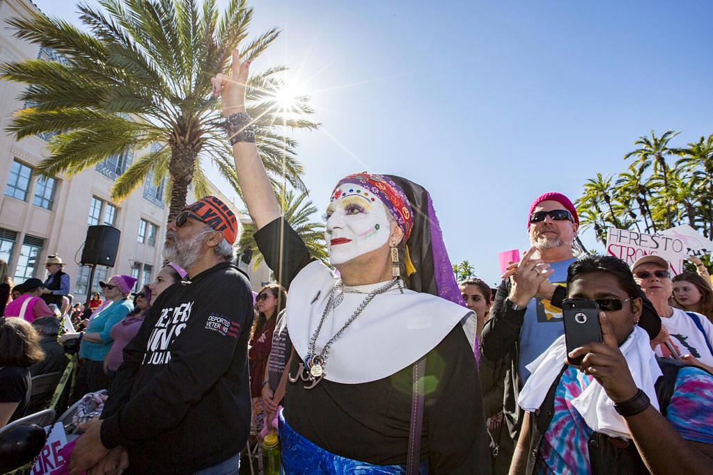 Irmã Ida durante a Marcha das Mulheres deste ano, em São Diego (Foto: Daniel Knighton | Getty Images)