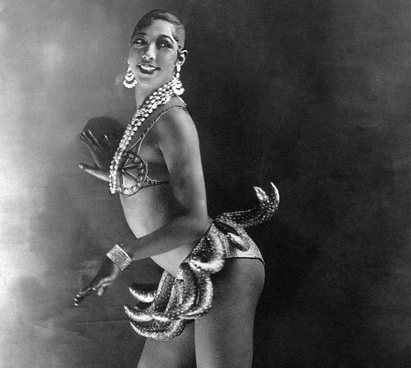 Josephine Baker e sua icônica saia de bananas (Foto: Reprodução)