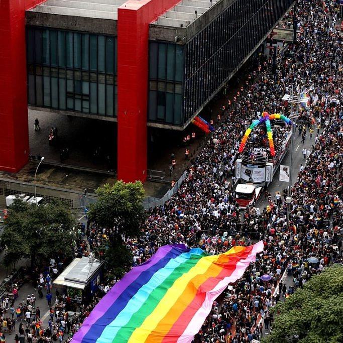 Parada do Orgulho LGBT de São Paulo é considerada a maior do mundo e recebeu um público de 3 milhões de pessoas em 2019 (EFE | Fernando Bizerra Jr)