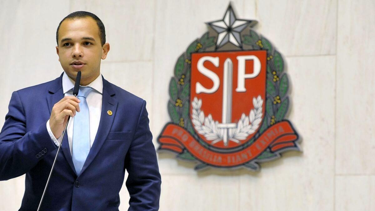 Deputado do PSL será advertido pela Assembleia de SP por fala transfóbica