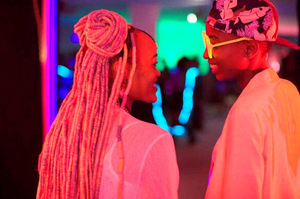 """""""Rafiki"""", o drama lésbico que desafiou a criminalização LGBT no Quênia (Foto: Divulgação)"""