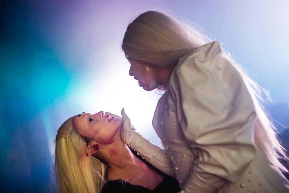 Catarse performática durante a última edição da VDV - Marry The Night (Foto: Victor Curi | Reprodução)