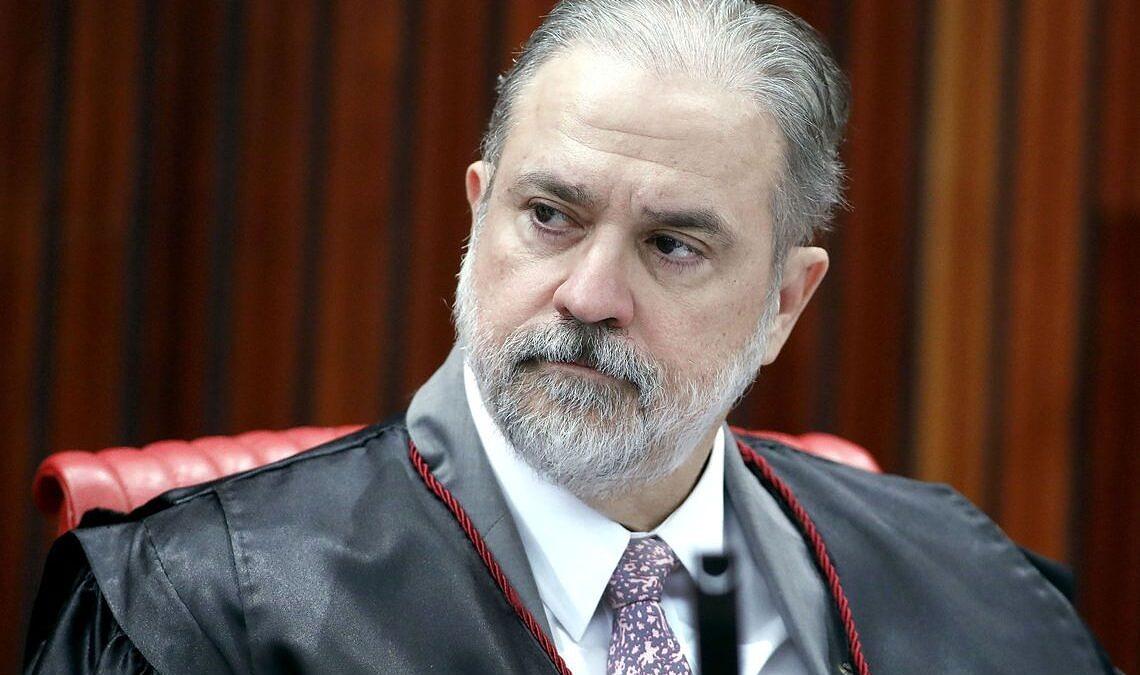 Indicado de Bolsonaro à PGR assina termo contra o casamento gay