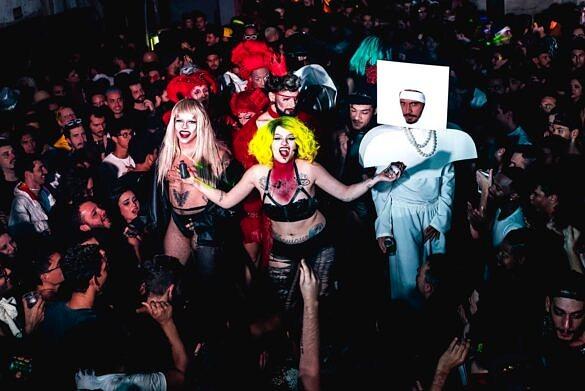 Há seis anos como sinônimo de irreverência e resistência na noite carioca, VDV celebra o show mais aguardado do Rock In Rio 2017 com o baile Marry The Night