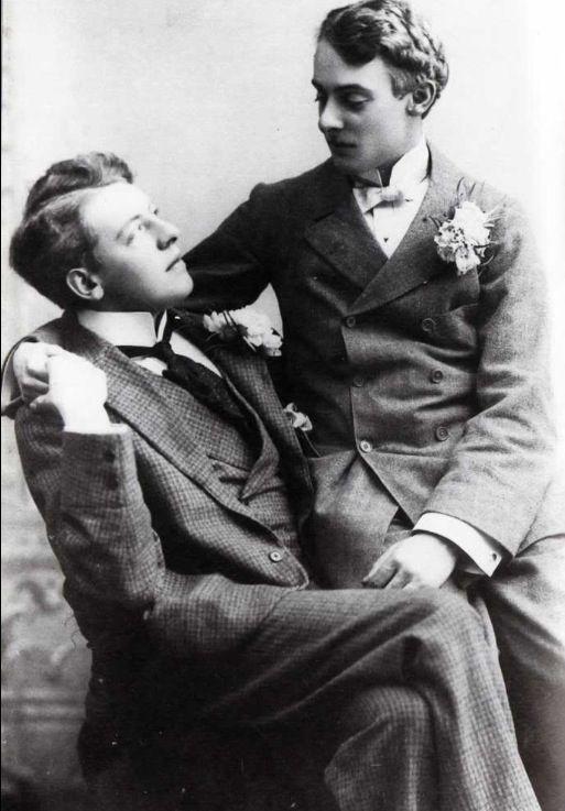 Diferença de idade entre Oscar Wilde e Bosie era de 16 anos, mas o jovem já tinha 21 quando o casal se conheceu (Foto: Reprodução)