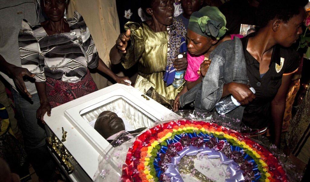 Funeral de David Kato foi marcado por homofobia de padre da Igreja Anglicana e por resistência de ativistas da Uganda (Foto: Getty)