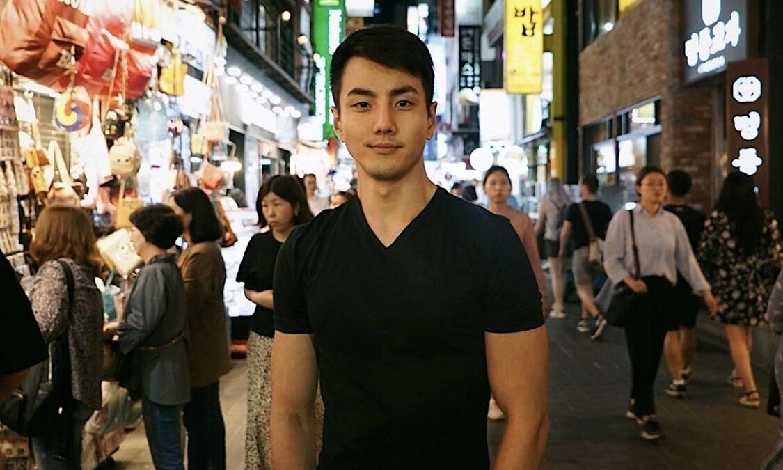 """Victor Han: """"Sempre me senti diferente na escola que frequentava, onde a grande maioria dos estudantes eram brancos"""" (Foto: Arquivo Pessoal)"""