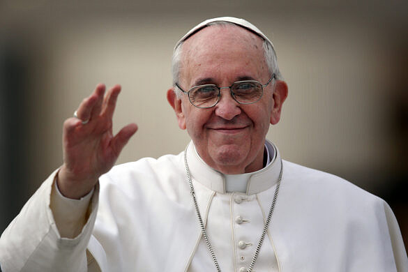 Papa Francisco enviou dinheiro e alimentos básicos para grupos de transexuais e travestis de Roma (Foto: Christopher Furlong   Getty Images)