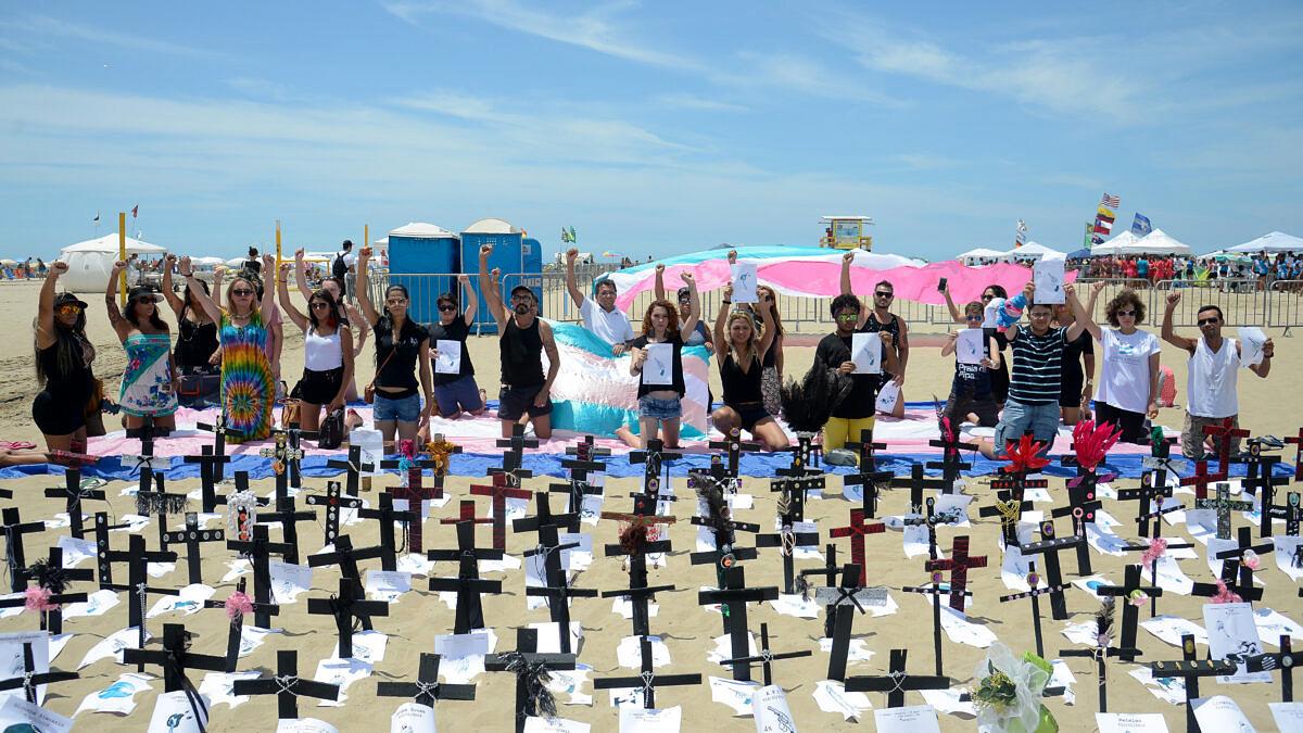 Protesto em memória às vítimas da transfobia no Brasil, em 2017 (Foto: Tomaz Silva | Agência Brasil)