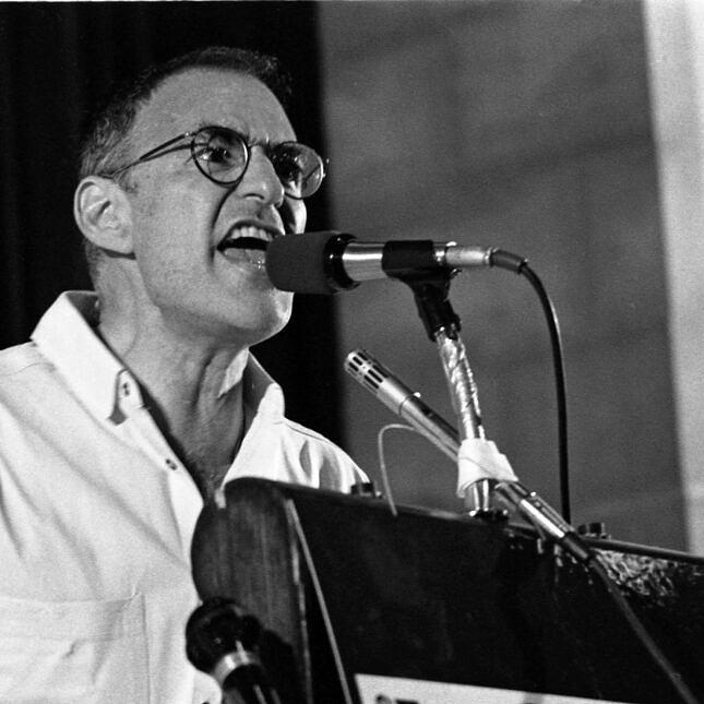 O ativista e dramaturgo Larry Kramer (Foto: Reprodução)