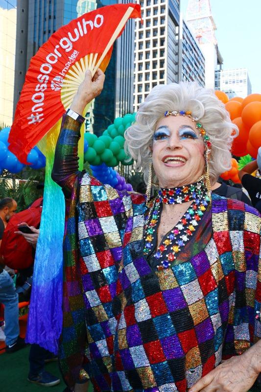 Miss Biá permaneceu trabalhando como drag queen por mais de 60 anos (Foto: Pedro Stephan | Reprodução)