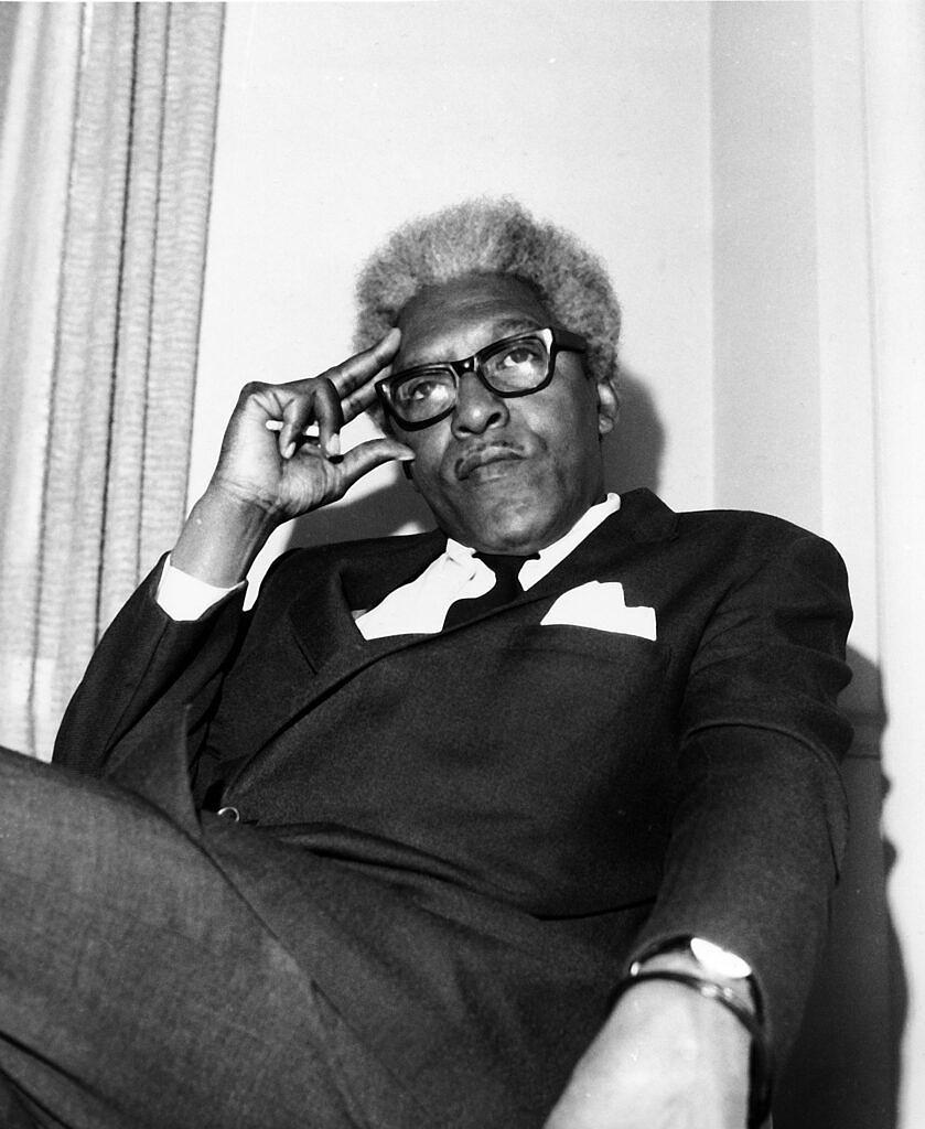 Em 1953, Bayard Rustin foi preso na Califórnia por ser flagrado fazendo sexo com dois homens brancos em um carro estacionado (Foto: A. Camerano | AP)