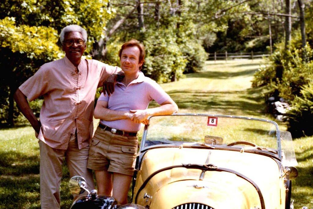 Bayard Rustin e Walter Naegle juntos em julho de 1982 (Foto: Cortesia de Walter Naegle | Estado de Bayard Rustin | Reprodução)