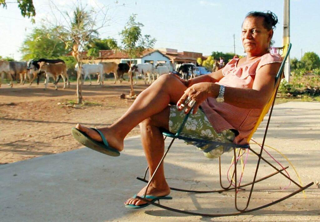 Kátia Tapety hoje tem 71 anos e mora em Colônia do Piauí (Foto: Reprodução)