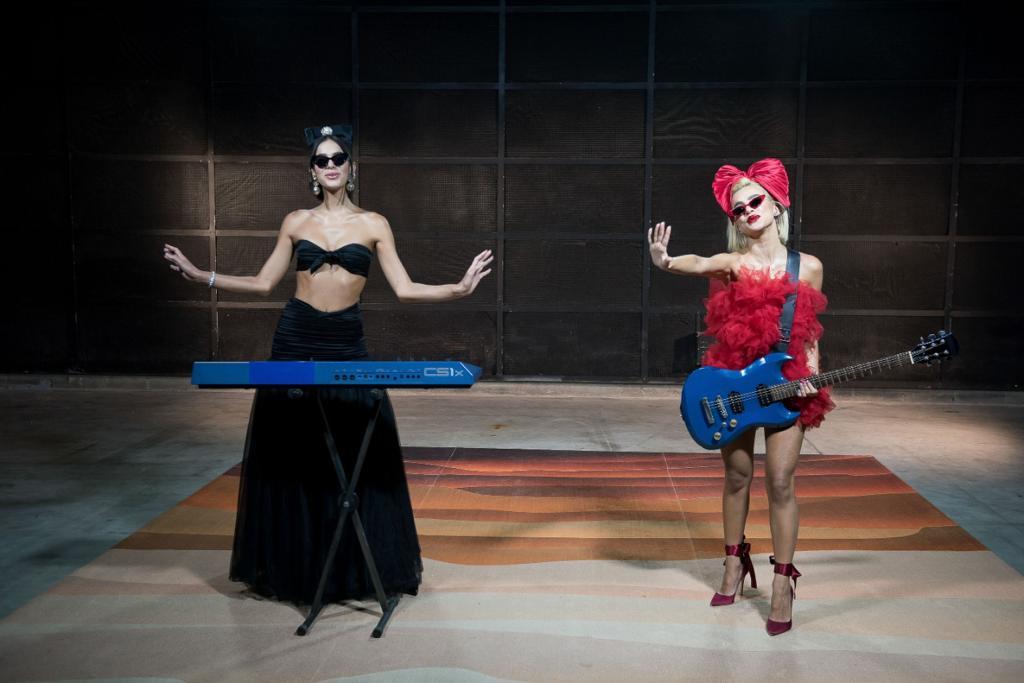 Bruna Marquezine e Manu Gavassi deram o tom do MTV Miaw 2020 (Foto: Reprodução)