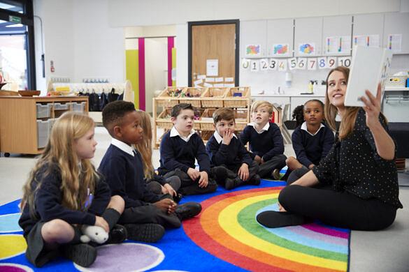 Escolas da Inglaterra terão aulas obrigatórias sobre diversidade sexual (Foto: Reprodução)