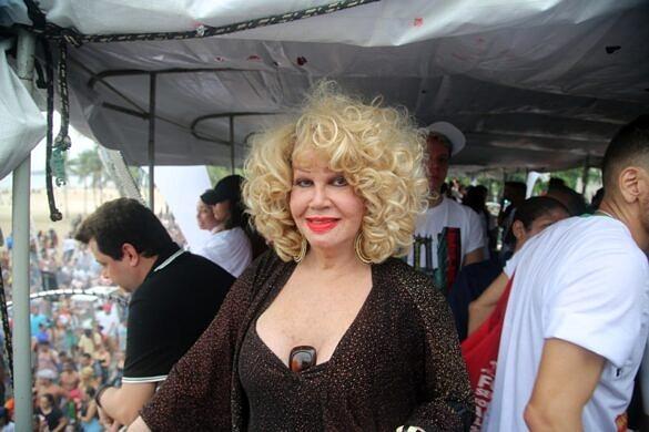 Jane Di Castro durante a Parada do Orgulho LGBTI+ do Rio de Janeiro, em 2018 (Foto: João Ker | Revista Híbrida)