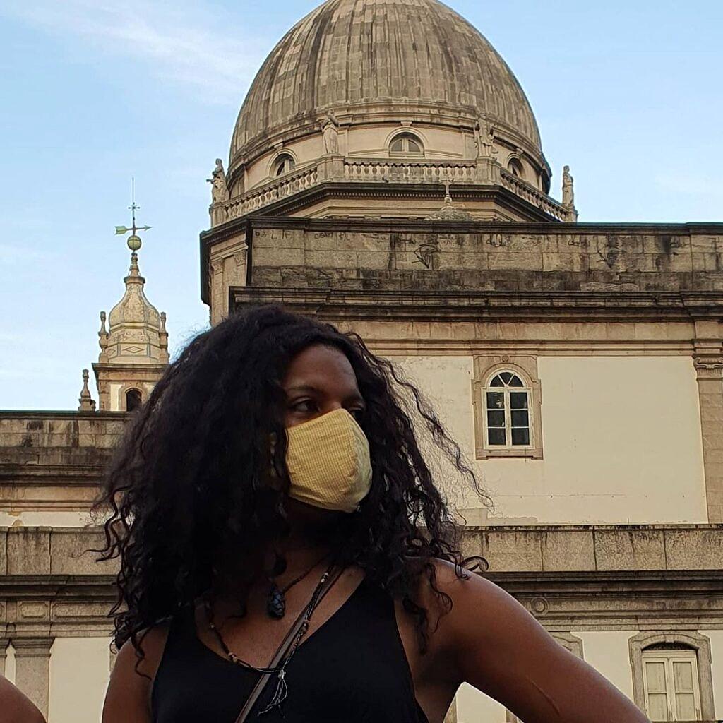 Morgana, moradora trans negra da Casa Nem, em ato político na Cinelândia (Foto: Pokira   Revista Híbrida)