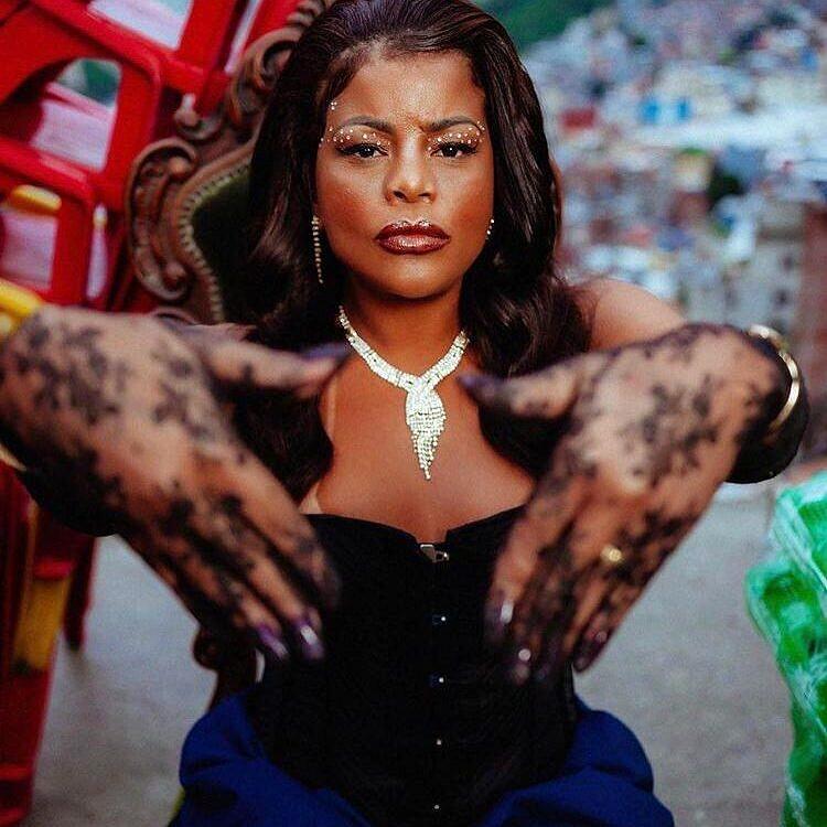 """Marcos Weverthon assinou o hairstyling de Tati Quebra Barraco para o clipe """"Rainha da Favela"""", de Ludmilla (Foto: Arquivo Pessoal)"""