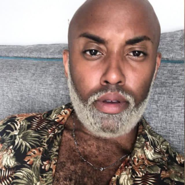 Aos 25 anos, Marcos Weverthon já trabalha há 10 como hairstylist e maquiador (Foto: Arquivo Pessoal)