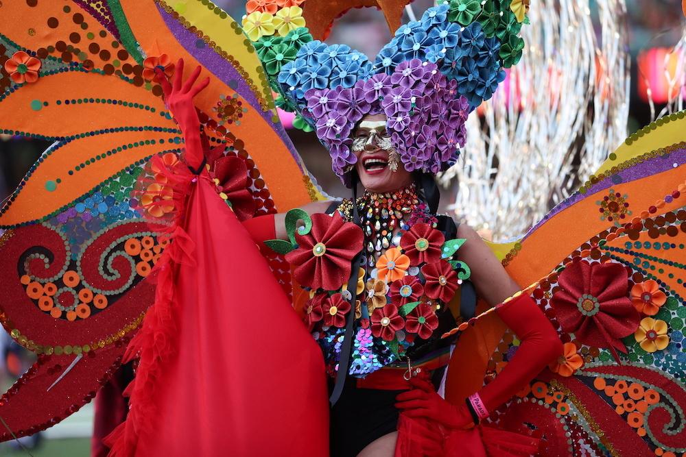 Austrália reúne mais de 36 mil pessoas em Parada LGBTI+ do Mardi Gras de Sydney (Foto: AP)