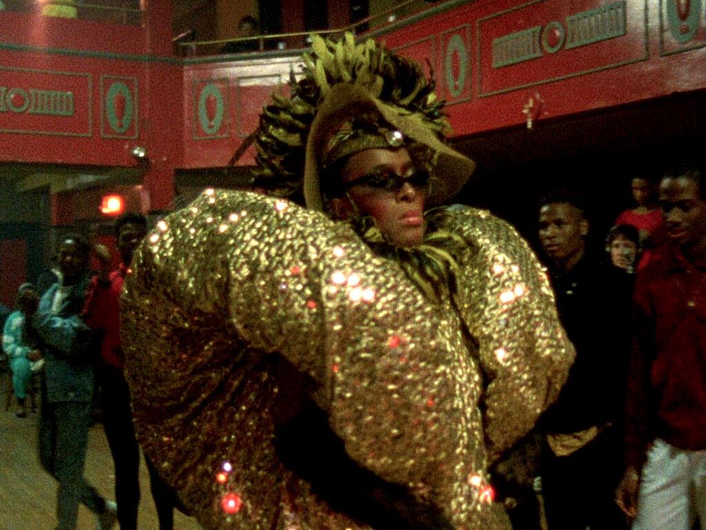 Lançado em 1990, o documentário 'Paris Is Burning' é um marco na cultura ballroom, com personagens precursores da cena no mundo (Foto: Reprodução)