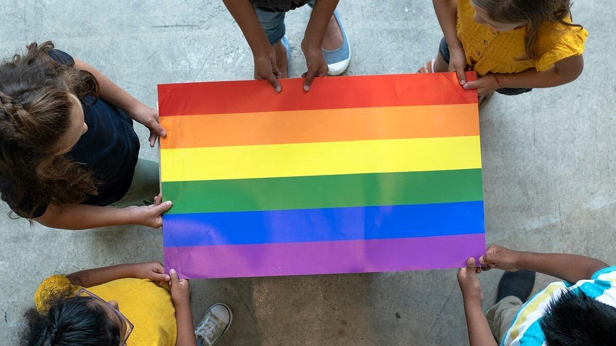 Rio aprova projeto que permite discussão de questões LGBTs nas escolas