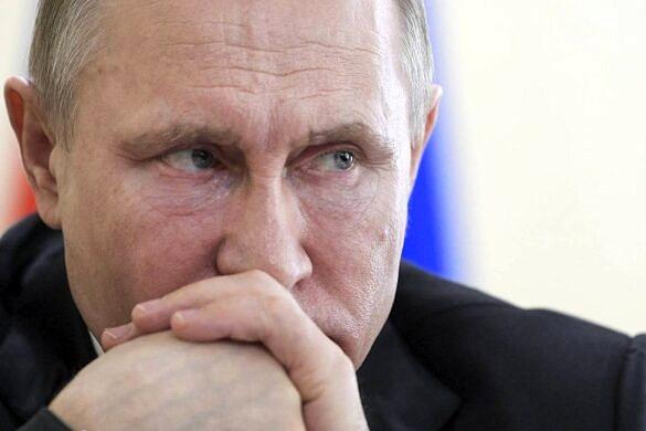 Rússia aprova lei que proíbe casamento gay e adoção por pessoas trans (Foto: Associated Press)