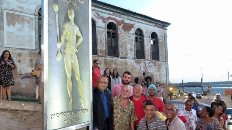 Lápide foi instalada na Praça Marcílio Dias, centro do Maranhão, em homenagem a Tibira (Foto: Reprodução)
