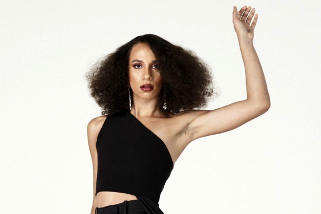 A cantora Alice Marcone foi uma das apresentadoras do Born To Fashion, no canal E! (Foto: Divulgação)