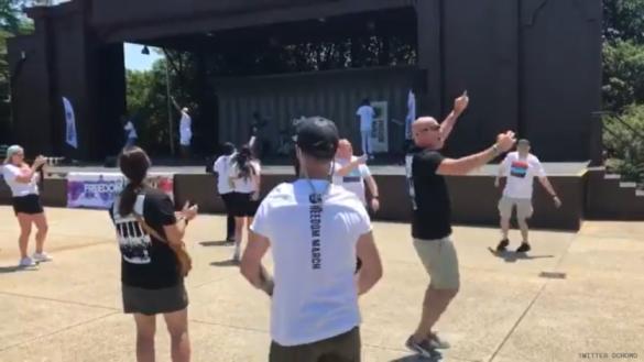 """Marcha de """"ex-gays"""" em Washington reuniu cerca de 200 pessoas, entre curiosos e apoiadores do movimento (Foto; Reprodução)"""
